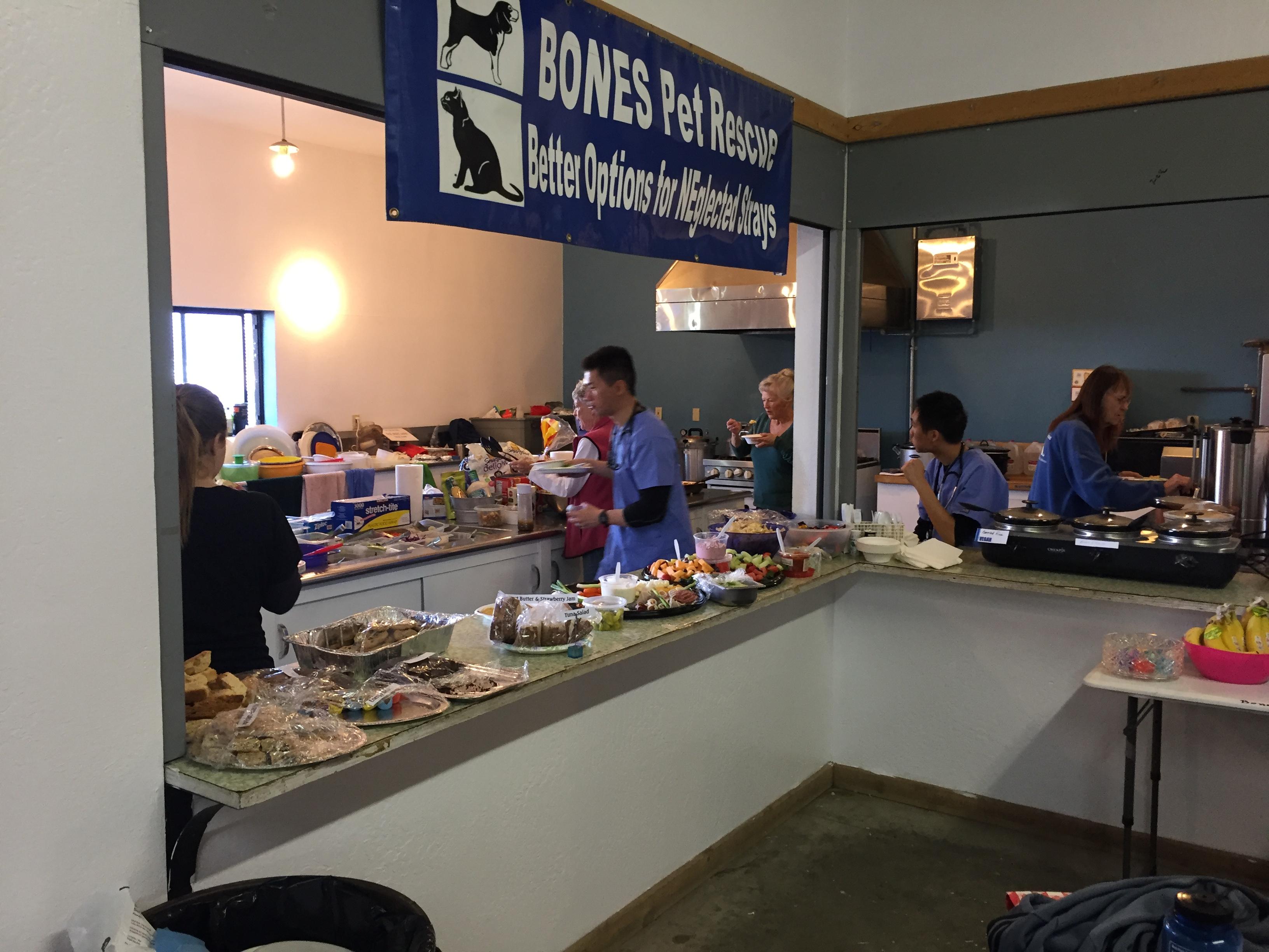 Amazing volunteers in the kitchen